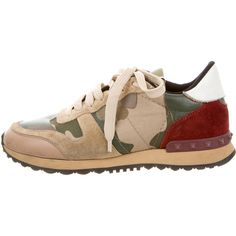 Pre-owned Valentino Camouflage Rockrunner Sneakers ($445) ❤ liked on Polyvore featuring shoes, sneakers, pattern prints, studded shoes, camouflage sneakers, lacing sneakers, olive green sneakers and leather lace up shoes