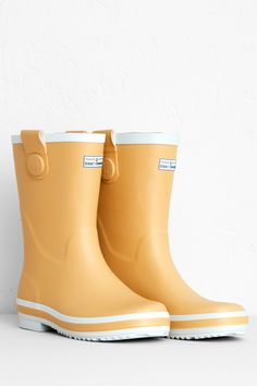 Seasalt women's wellies are handmade in natural rubber & have extra thick insoles for comfort. Perfect for women with wider calves, in a choice of fun colours.