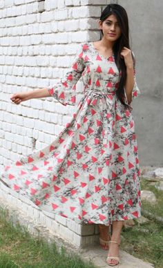 Buy The Secret Label Multi Color Rayon Slim Fit triangle flared maxi online in India at best price.Fit and flare triangle print maxi dress with side pockets. Frock Dress, The Dress, Dress Skirt, Casual Dresses, Fashion Dresses, Fashion Blouses, Salwar Designs, Dress Designs, Frock Design