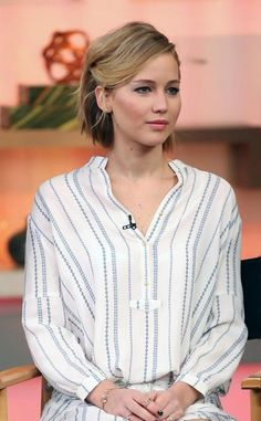 Half-up-taquiné-coiffure-jennifer-lawrence
