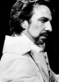 Alan Rickman. 1985 - 1986, Les Liaisons Dangereuses. Le Vicomte de Valmont RSC - Stratford's Other Place, Barbican, The Pit, London - Olivier Award for play of the year in 1986 and Evening Standard Award of the same year.