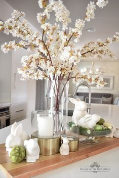 Spring Vignette Refresh Three Ways – Easter decoration – Primavera Easter Table Decorations, Decoration Table, Spring Decorations, Easter Centerpiece, Centerpieces, Diy Osterschmuck, Easter 2020, Spring Home Decor, Decorating For Spring