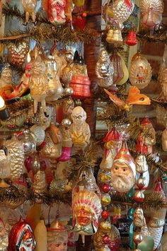 Antique Christmas Ornaments - Many of these were created by Inge-Glas of Germany, the oldest Christmas ornament company in the world - FIND today's Inge-Glas ornaments at antiquechristmasdecorations Antique Christmas Ornaments, Old Christmas, Vintage Ornaments, Retro Christmas, Christmas Items, Vintage Holiday, Christmas Tree Ornaments, Christmas Holidays, Germany