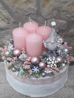 Christmas Candles, Christmas Centerpieces, Winter Christmas, Christmas 2019, Christmas Home, Handmade Christmas Decorations, Holiday Decor, Advent Wreath, Christmas Crafts