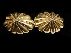 Etsy の GOLD CUFFLINKS by HPSJEWELERS