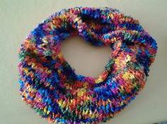 Cuello con lana multicolor
