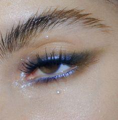 Edgy Eye Makeup, 60s Makeup, Runway Makeup, Makeup Eye Looks, Pretty Makeup, Makeup Inspo, Makeup Inspiration, Beauty Makeup, Face Makeup