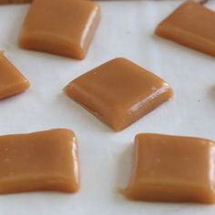 Homemade Microwave Caramels… made in 6 minutes with only 5 ingredients! These will be the easiest candy you will make this holiday season! Related Post Gift Salted caramels Delicious Desserts – 10 Awesome Desserts You. Easy Desserts, Delicious Desserts, Yummy Food, Desserts Caramel, Baking Desserts, Easy Caramel Candy Recipe, Caramel Apples, Microwave Candy Recipe, 5 Minute Desserts