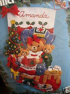 Bucilla Felt Applique Holiday Stocking Kit,TEDDY FAMILY CHRISTMAS,Mom & Bears,18
