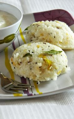 Biyyam Rava Pesara Pappu Upma ~ Our breakfast today Ingredients : Rice Ravva / Broken Rice : 1 cup Water : cups Moong Dal : cup Green Chillies : 2 or 3 Grated Ginger : 2 tsp Dried Red Chillies : 2 Mustard Seeds : 1 tsp Chana Dal : 1 tsp Urad. Low Calorie Breakfast, Breakfast Dishes, Breakfast For Dinner, Breakfast Recipes, Breakfast Options, Breakfast Items, Brunch Recipes, Veg Recipes, Indian Food Recipes