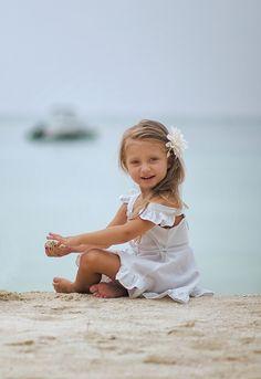 Day @ the beach crianças do mundo красивые дети, дети e люди. Kids Beach Photos, Beach Kids, Beach Pictures, Girl Photos, Beach Babe, Little Girl Photography, Beach Photography, Children Photography, Cute Young Girl