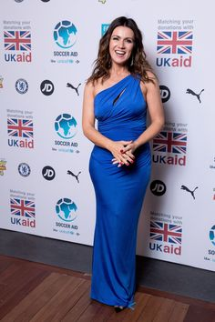 #susannareid SUSANNA REID at Soccer Aid for Unicef Gala in London 06/12/2019 Sexy Outfits, Chic Outfits, Fashion Outfits, Soccer Aid, Satin Dresses, Nice Dresses, Formal Dresses, Sexy Older Women, Sexy Women