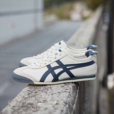a9cfa834151 Onitsuka Tiger Mexico 66  Birch India ink Latte Onitsuka Tiger Women Outfit