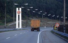 Eingang in die DDR auf der Autobahn, 1987 | Foto: Uwe Gerig