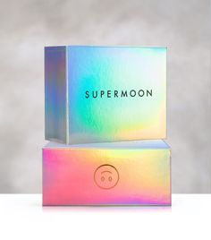 Supermoon Bakehouse (@supermoonbakehouse) • Instagram-Fotos und -Videos Food Packaging Design, Beauty Packaging, Cosmetic Packaging, Packaging Design Inspiration, Box Packaging, Logo Branding, Branding Design, Corporate Design, Holographic Print