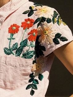 Embroidery On Clothes, Shirt Embroidery, Embroidered Clothes, Embroidery Fashion, Vintage Embroidery, Floral Embroidery, Flower Embroidery Designs, Embroidery Patterns, Diy Fashion