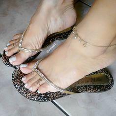 Chegueiiii BH  #whitenails #francesinha #ankletfetish #brazilianfeet #barefoot #feet #closefeet #cutefeet #cutetoes #dedinhos #feetfetish #feetlover #footmodels #lovefeet #mineiradepéslindos #perfectfeet #pesdoinsta #pésfemininos #pezinhos #pezinhosdeprincesa #pezinhoslindos #podolatras #podolatria #prettyfeet #prettytoes #selfeet #sexyfeet #sexytoes