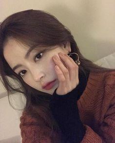 something special ♡ Girl Korea, Asia Girl, Korean Beauty, Asian Beauty, Bora Lim, Beauty Makeup, Hair Makeup, Ulzzang Korean Girl, Angel Aesthetic
