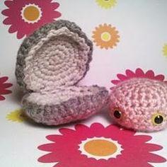 Clam free crochet pattern on Amigurumipatterns.net athttp://www.amigurumipatterns.net/Sea-Animals/Clam/