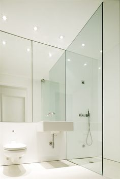bathroom_White Loft, New York, 2011 Loft Bathroom, Bedroom Loft, White Bathroom, Bathroom Interior, Small Bathroom, Minimal Bathroom, Washroom, Bathroom Mirrors, Bad Inspiration