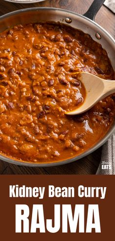 Kidney Bean Curry (Rajma) - a delicious vegetarian curry made with Red Kidney Beans, onions, tomato (passata) and a blend of spices. Bean Recipes, Curry Recipes, Veggie Recipes, Indian Food Recipes, Healthy Recipes, Dinner Recipes, Indian Foods, Veggie Meals, Skinny Recipes