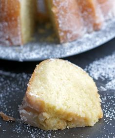 You are going to love these Easy Butter Cake Recipes! Just Desserts, Delicious Desserts, Dessert Recipes, Yummy Food, Holiday Desserts, Food Cakes, Cupcake Cakes, Bundt Cakes, Carrot Cakes