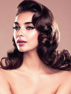 Inspiration Hollywood wedding glam hair we ❤ this! Hollywood wedding glam hair we ❤ this! Best Wedding Hairstyles, Retro Hairstyles, Natural Hairstyles, Vintage Hairstyles For Long Hair, Beautiful Hairstyles, Fringe Hairstyles, Messy Hairstyles, Medium Hairstyles, Asymmetrical Hairstyles