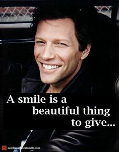And what a smile it is! Something to dream on BonJovigirls and boys…Night!