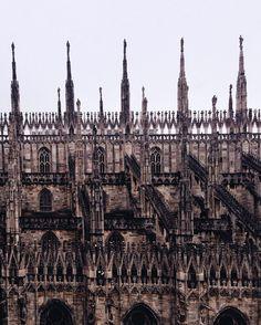 Come fa a non piacervi il gotico. by giovanschi