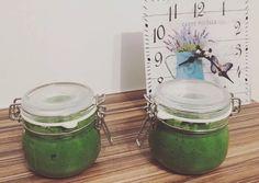 Medvehagyma krém télire | Gicus29 receptje - Cookpad receptek Pesto, Glass Vase, Decor, House, Ideas, Plants, Decoration, Home, Decorating