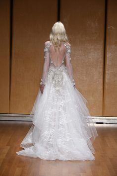 inbal-dror-fall-2017-wedding-dress-dimitras-bridal-couture-chicago-back-br-17-20