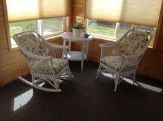 Old wicker-look porch/patio set