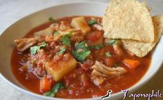 Basque Style Chicken Stew - Slow Cooker-Crock Pot - Weight Watcher friendly only 4 Points, it's hard to imagine that stew with this much flavor can be made so quickly and easily! Slow Cooker Chicken Stew, Creamy Chicken Stew, Stew Chicken Recipe, Chicken Recipes, Chicken Soup, Fiesta Chicken, Ww Recipes, Slow Cooker Recipes, Crockpot Recipes