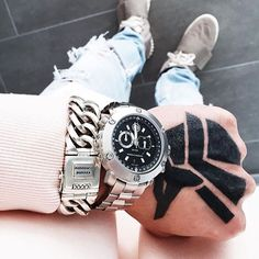 """Blogger @sergiujurca wearing the """"Chain"""" in combination with our New """"Accelerator"""" watch 💥"""