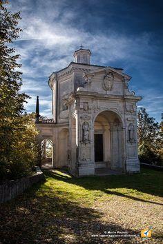Sacro Monte di varese, patrimonio dell'Umanità: una passeggiata autunnale. Nella foto la XII Cappella: L'Ascensione al Cielo