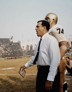 Ara Parseghian Notre Dame Football, Nd Football, Ncaa College Football, Football Quotes, American Football, Football Coaches, Collage Football, Notre Dame Irish, Go Irish