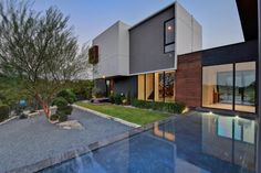 Lenape Trail Home This contemporary private residence is situated in Austin, Texas, United States.