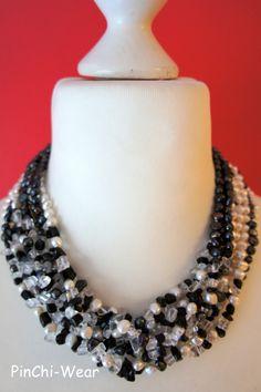 Kette Perlen zweifarbig €79,00