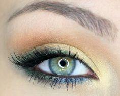 Maquillaje ojos azul y verde