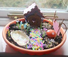 My Fairy Gardens Fairy Garden. Fairy Garden komt met elfje Belle, muisje, paddestoel, waslijn, oesterschelp, gekleurd grind en zaadjes om te zaaien. Laat je eigen tuintje tot leven komen! Met My Fairy Garden creëer je je eigen magische sprookjestuin. Speel met elfjes, ontwikkel je creativiteit en leer alles over de natuur. Voor kinderen vanaf 4 jaar. Fairy Garden is 1 v/d 3 producten van My Fairy Garden die beschikbaar zijn in Nederland en België. Hiernaast bestaat ook de Flowerpot en…