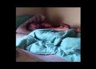 Novia infiel pillado con otro hombre en la cama & ni siquiera te importa!