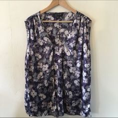 Beautiful Silky Floral Top 24W So gorgeous! Wear the front flaps flowy or tied for extra drama. Beautiful under a blazer, with a skirt or dress up dark denim for date night. Worn once. 24W fits like a 3x no trades no PayPal Jones New York Tops Blouses