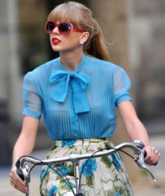 Taylor Swift- Best Dressed Celebrity Style Icon - Home Page Taylor Swift Moda, Style Taylor Swift, Taylor Swift Fotos, Taylor Swift Pictures, Taylor Alison Swift, Swift 3, Taylor Swift Fashion, Begin Again Taylor Swift, Taylor Swift Outfits