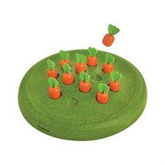 Solitairespel - ekologiskt spel - Ett klassiskt solitairespel i ekologiskt trä från Plan Toys. Spelet utvecklar det stagetiska och logiska tänkandet. Temat är morotsland. Passar från 5 år och uppåt.