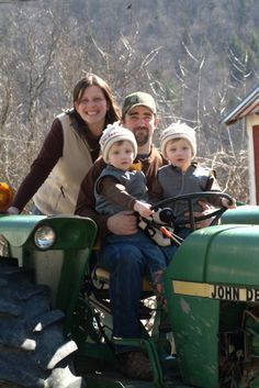 Tom and Jenn Kennett with their sons, Tucker and Calvin