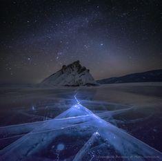 Озеро Байкал, март 2015. Панорама из 2-х кадров. Приглашаем вас в фотопутешествие на Озеро Байкал, одно из самых прекрасных мест на планете! Мы были тут летом, но зимний образ оказался просто незабываемым, и теперь это неотъемлемая частичка нашего сердца. Мы покажем вам, почему так любим это место, почему нас тянет сюда снова и снова, несмотря на мороз и колючий ветер. И когда вы увидите этот прозрачный ледяной панцирь, скрывающий могучую грудь Байкала, когда услышите биение его сердца под…