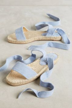 Splendid Jody Espadrilles - espadrilles were a shoe style worn by Teddy GirlsSplendid Jody Espadrilles Love the baby blue/pantone color of the year on these espadrilles!Shop Women's Splendid Blue size 6 Espadrilles at a discounted price at Poshmark. Splendid Shoes, Mode Shoes, Vintage Mode, Mode Inspiration, Ballerinas, Summer Shoes, Summer Sandals, Beautiful Shoes, Me Too Shoes