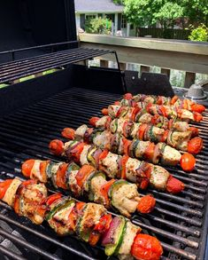 We stopped by my mother-in-law's for lunch with her and two of my SILs. Grilled chicken and veggie skewers, served with a tomato, cucumber, onion and feta salad. Light, fresh and perfect for a stinking hot day! 🌡☀️ What are you grilling this weekend? Veggie Skewers, Feta Salad, Ratatouille, Grilled Chicken, Nook, Cucumber, Sausage, Grilling, Law