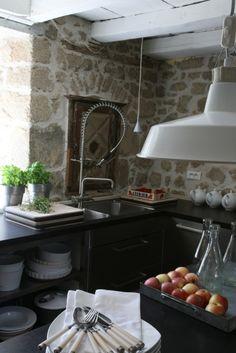 Table D Hote, Kitchen Island, France, Home Decor, Laziness, Island Kitchen, Decoration Home, Room Decor, Home Interior Design