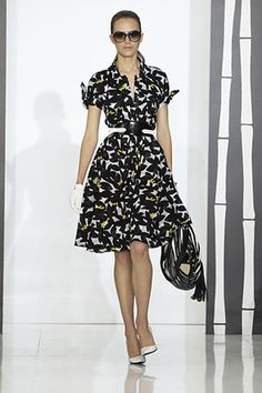 how to wear black and white dresses | gucci-resort-2008-black-and-white-dress-profile.jpg